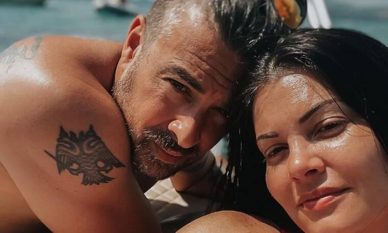 Κορινθίου - Αϊβάζης: Οι διακοπές με την κόρη τους στην Τήνο - Δείτε φώτο