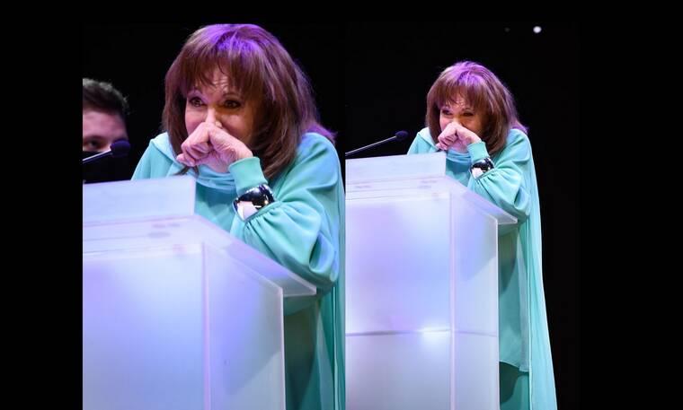 Βραβεία Ίρις: Λύγισε η Μαίρη Χρονοπούλου στη σκηνή (Photos)