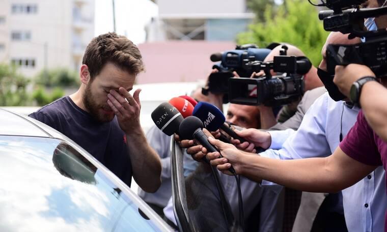 Γλυκά Νερά πιλότος: Ποινική δίωξη για δύο κακουργήματα και δύο πλημμελήματα σε βάρος του Μπάμπη