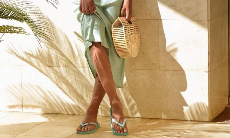 Πώς θα περπατήσεις με στυλ αυτό το καλοκαίρι: Βρήκαμε τα πιο στυλάτα flip flops και πέδιλα!
