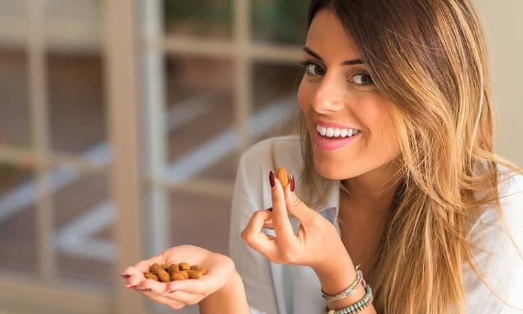 Δέκα υγιεινά σνακ με λιγότερες από 100 θερμίδες