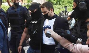 Γλυκά Νερά: Σοκάρουν οι εξελίξεις–Ο Μπάμπης Αναγνωστόπουλος έκρυψε τα κοσμήματα κι ύστερα τα πέταξε