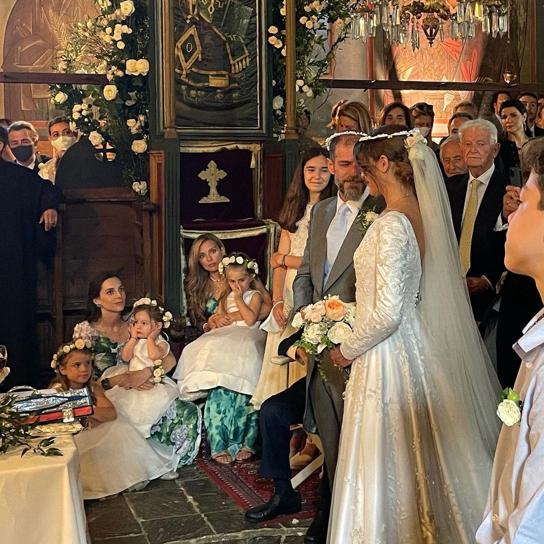 Αντώνης Λαιμός-Μαρίκα Αράπογλου: Φωτογραφίες και βίντεο από τον λαμπερό γάμο τους στο Πάπιγκο