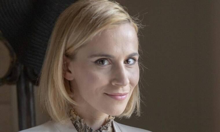 Αγγελική: Η Τζένη καλεί την Αγγελική για να της πει για τον δημοσιογράφο