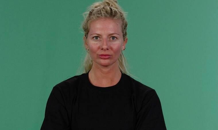 Survivor: Αγνώριστη η Ελένη Χαμπέρη στο αεροδρόμιο! Το στιλ που μας εξέπληξε!