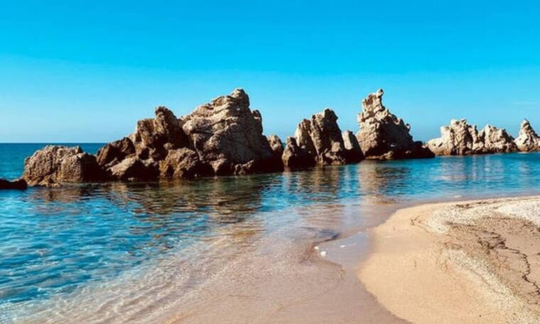 H σπάνια ελληνική παραλία που νομίζεις ότι είσαι στο εξωτερικό
