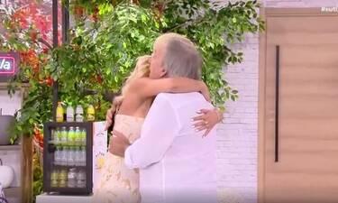 Φινάλε για το Ευτυχείτε: Η Καινούργιου έπεσε στην αγκαλιά του Μικρούτσικου