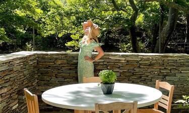 Ελένη Μενεγάκη: Η πρώτη της φωτό με μαγιό για το φετινό καλοκαίρι από την Άνδρο!