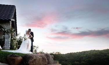 Τραγουδίστρια παντρεύτηκε και δημοσίευσε τις πρώτες φωτογραφίες από τον γάμο της!