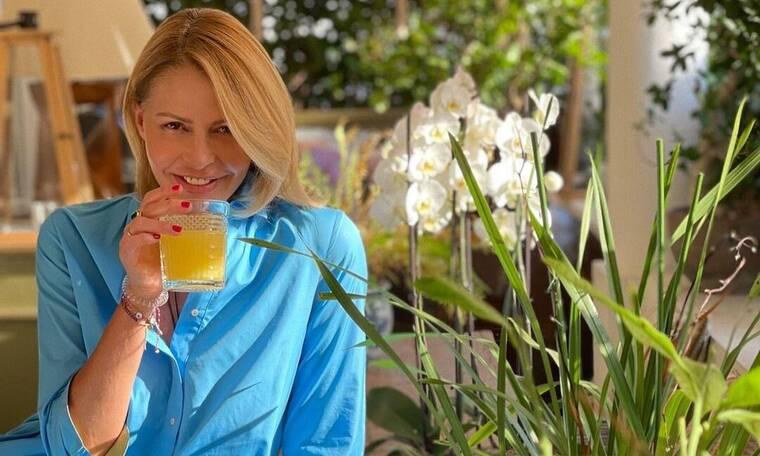 Τζένη Μπαλατσινού: Μας δείχνει τον κήπο της - Είναι σωστή αγρότισσα!