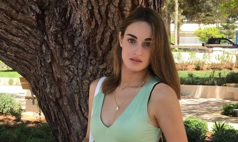 Μαρία Βοσκοπούλου: Ποζάρει με μαγιό και μας δείχνει το καλογυμνασμένο της κορμί!