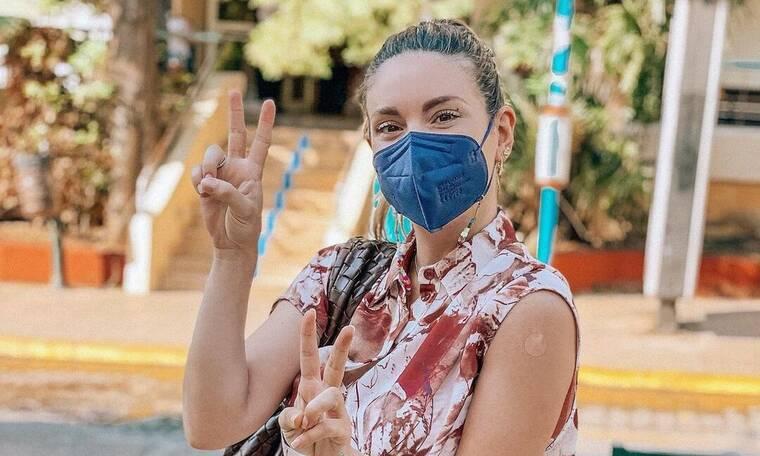 Αθηνά Οικονομάκου: Έκανε το εμβόλιο του κορονοϊού ένα μήνα μετά τη γέννηση της κόρης της