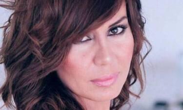 Γυρίσματα στη Σύρο για τη Στέλλα Γεωργιάδου - Αγνώριστη! Δείτε την εντυπωσιακή αλλαγή της