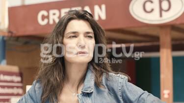 Καρτ Ποστάλ: Η Ναυπλιώτου επιστρέφει μέσα από τη σειρά της ΕΡΤ - Αποκλειστικές φωτό από τα γυρίσματα