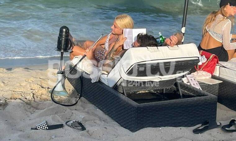 Αποκλειστικό: Τούνη - Αλεξάνδρου: Κάνουν διακοπές στη Χαλκιδική και μοιράζονται την ίδια ξαπλώστρα