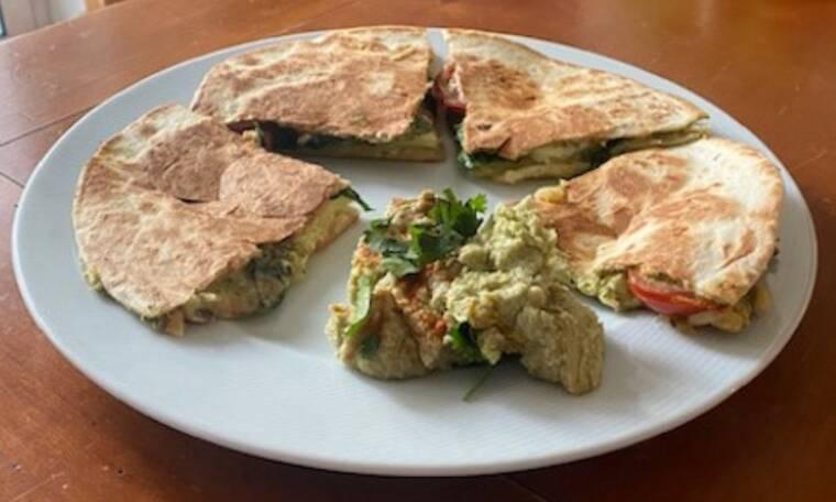 Συνταγή για Μεξικάνικα quesadillas και ο ουρανίσκος σας θα φωνάζει buena comida Arribaaa (Γράφει η Majenco)