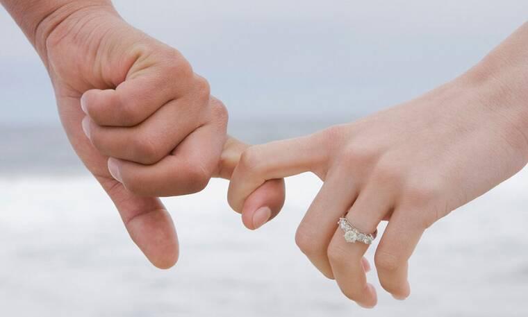 Γάμος τον Σεπτέμβριο για την όμορφη Ελληνίδα ηθοποιό και τον επιχειρηματία σύντροφό της!