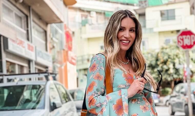 Αθηνά Οικονομάκου: Με crop top μόλις σαράντα ημέρες μετά τον ερχομό της κόρης της