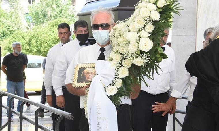 Απέραντη θλίψη στο τελευταίο «αντίο» στον Γιώργο Μεσσάλα