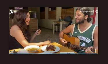 MasterChef: Η Λία έπιασε ξανά το τραγούδι – Άκουσέ την από το μαγειρείο της και θα πάθεις πλάκα