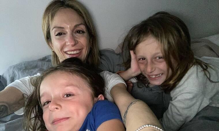 Σοφία Καρβέλα: Η σχέση της με τον σύζυγο και τα παιδιά της σε photos