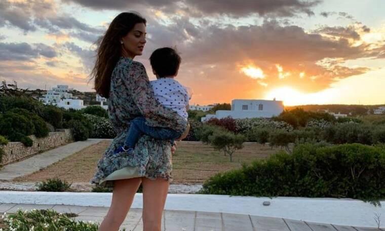 Σταματίνα Τσιμτσιλή: Η φώτο με τον γιο της στις διακοπές- Δείτε πόσο άλλαξε