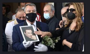 Άντζελα Γκερέκου: Το δημόσιο «ευχαριστώ» και η αποκάλυψη για τα έξοδα της κηδείας του Βοσκόπουλου