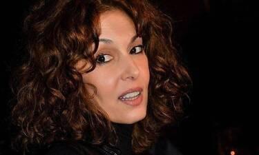 Δήμητρα Παπαδήμα: Σοκάρει η ηθοποιός: «Μου παραβίαζε το εσώρουχο πάνω στη σκηνή»