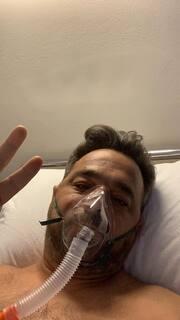 Γνωστός δημοσιογράφος στο νοσοκομείο – Συγκλονίζει το μήνυμά του: «Γλίτωσα! Μαζί και φέτος»