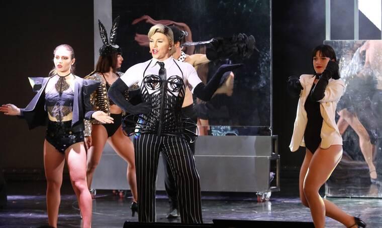 Θέατρο Άλσος: «Πλημμύρισε» με επώνυμες παρουσίες και summer looks!