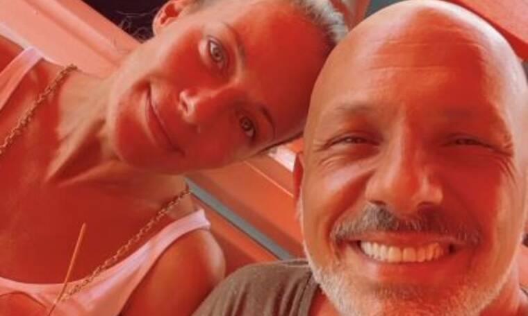 Μουτσινάς - Μακρυπούλια: Κάνουν διακοπές μαζί σε νησί που δεν φαντάζεσαι  (photos+videos)