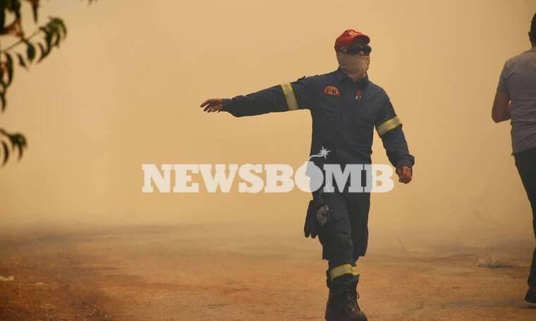 Φωτιά ΤΩΡΑ στη Σταμάτα: Δραματικές στιγμές, κάηκαν σπίτια - Εκκενώθηκε οικισμός
