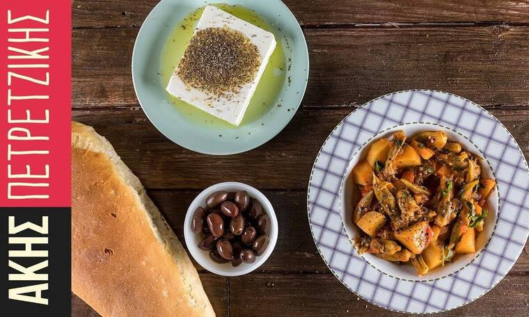 Η καλύτερη συνταγή για μπάμιες λαδερές από τον Άκη Πετρετζίκη