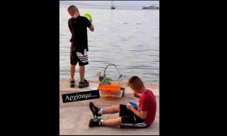 Είναι οι γιοι γνωστού δημοσιογράφου και πήγαν για ψάρεμα με τον μπαμπά τους!