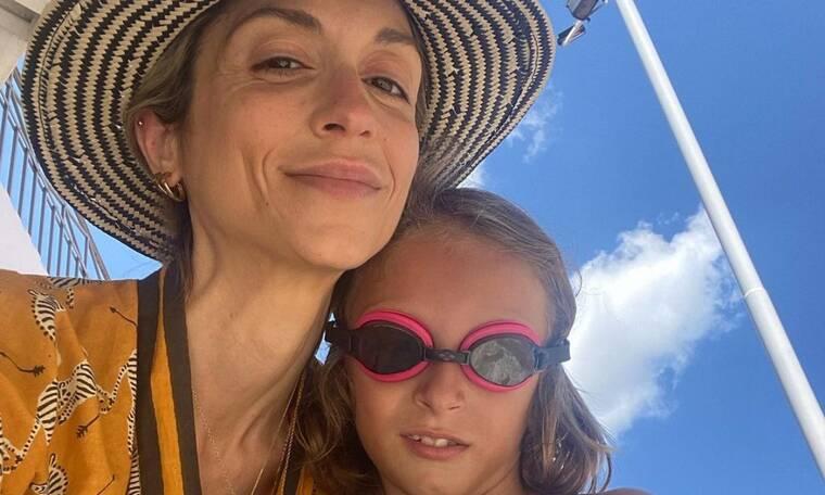 Σοφία Καρβέλα: Οι διακοπές με τους γιους της στη χώρα μας – Δείτε φώτο