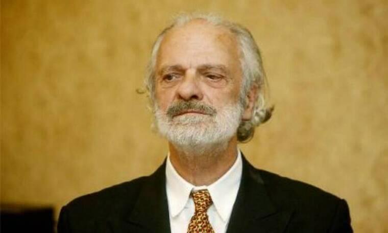 Σπύρος Φωκάς: Αγωνία για τον ηθοποιό - Παλεύει σαν λιοντάρι για τρίτη εβδομάδα στο νοσοκομείο