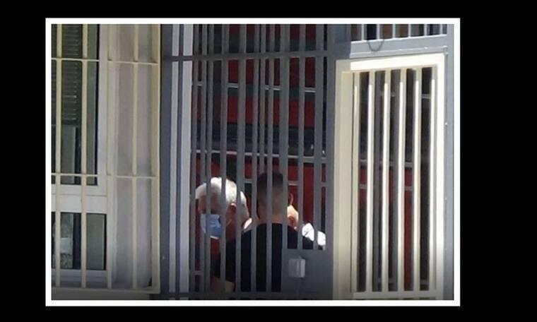Πέτρος Φιλιππίδης: Το δεύτερο 24ωρο στο κελί - Βρίσκεται σε κατάσταση σοκ!