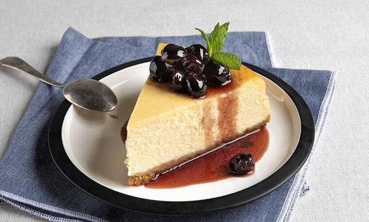 Λαχταριστό Αμερικάνικο cheesecake από τον Άκη Πετρετζίκη!