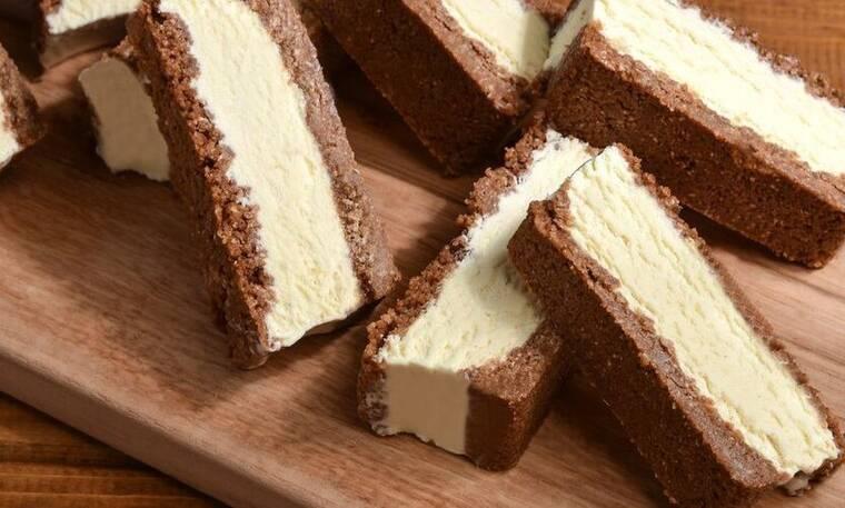 Γρήγορο παγωτό σάντουιτς από τον Άκη Πετρετζίκη!