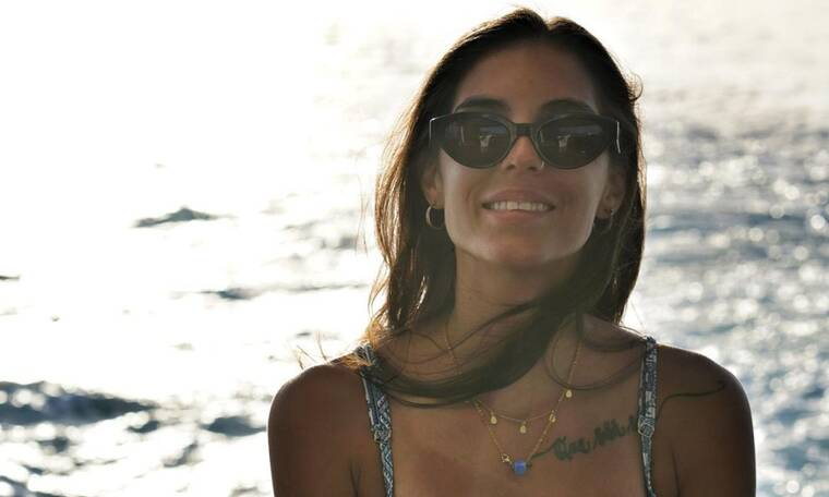 Άννα-Μαρία Βέλλη: Ποζάρει με καυτό μπικίνι και σχολιάζει τα κιλά της μετά το Survivor