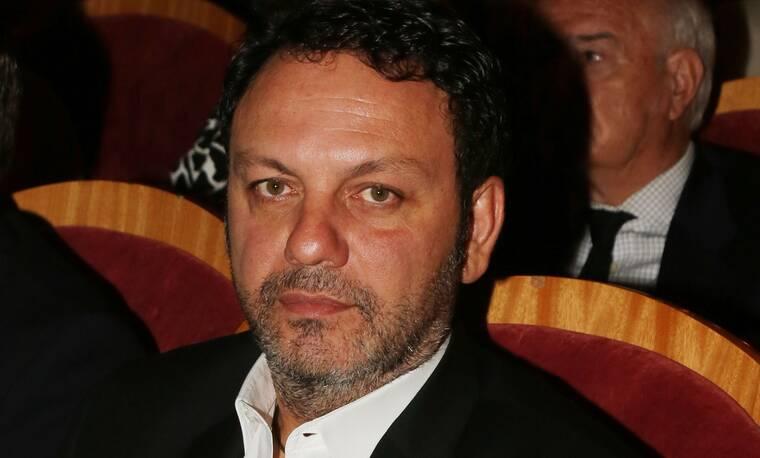 Στάθης Αγγελόπουλος: Η εντατική, το υποκείμενο νόσημα και ο αγώνας να σταθεί στα πόδια του
