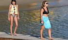 Αλεξάνδρα Πασχαλίδου: Watersports στη Βουλιαγμένη με την κόρη της και κορμί... λαμπάδα