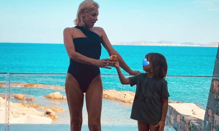 Κατερίνα Καραβάτου: Η νέα φωτογραφία του Αρίωνα στη θάλασσα είναι απίθανη