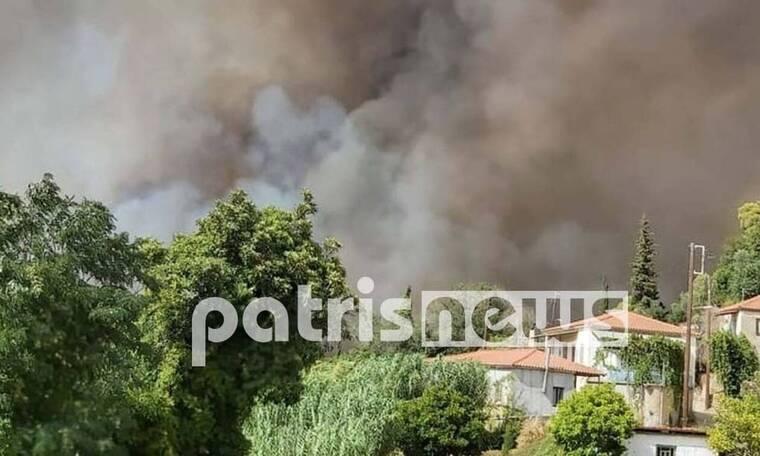Εκτός ελέγχου η φωτιά στην Ηλεία: Πληροφορίες για εγκλωβισμένους - Καίγονται σπίτια