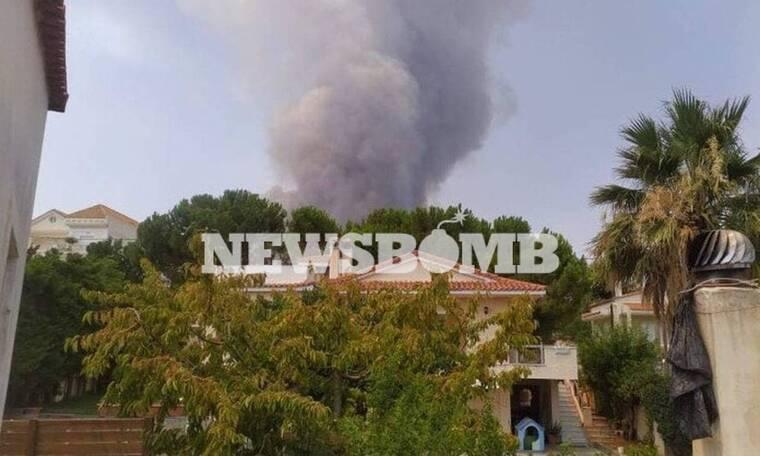 LIVE BLOG - Φωτιές: Η Ελλάδα στις φλόγες - Μέτωπα σε Βαρυμπόμπη, Εύβοια και Αρχαία Ολυμπία