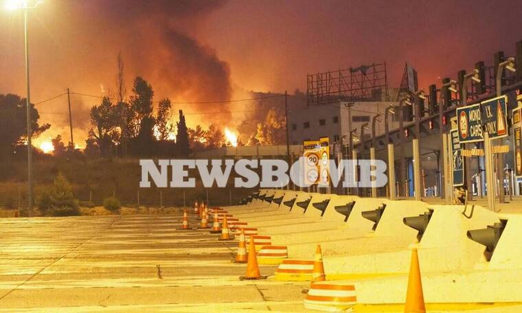 Φωτιά ΤΩΡΑ: Στην Εθνική Οδό οι φλόγες - Αποκλεισμένη από βορρά η Αθήνα