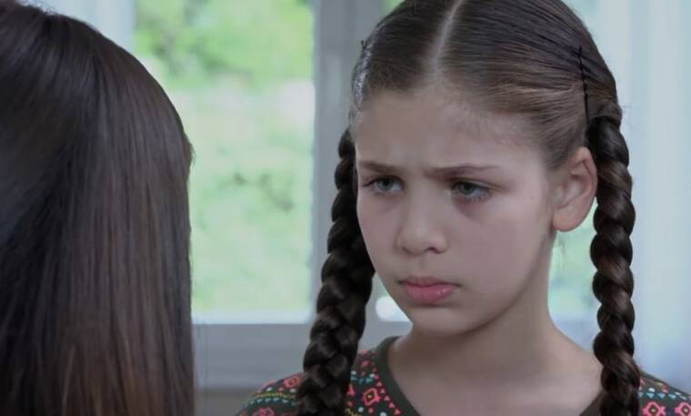 Elif: Η Ελίφ λέει στη μητέρα της όσα ξέρει για τον Ταρίκ και τη Βιλντάν.