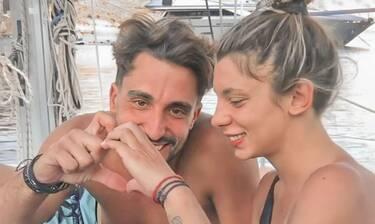 Σάκης Κατσούλης- Μαριαλένα Ρουμελιώτη: Φουλ ερωτικό βίντεο για το ζευγάρι