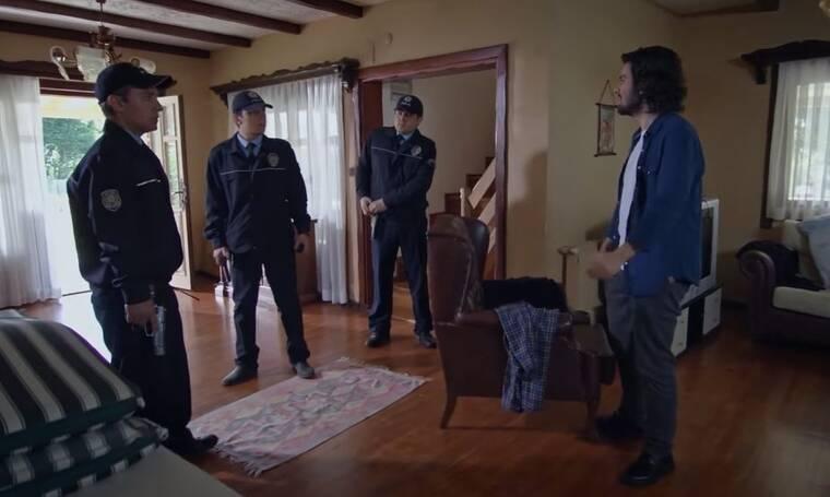 Elif: Η αστυνομία εισβάλει στο σπίτι, που κρύβονται ο Ταρίκ και η Ράνα