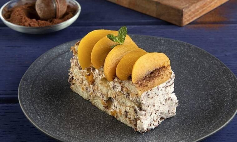 Γλυκό ψυγείου με σαβαγιάρ και σοκολάτα από τον Άκη Πετρετζίκη
